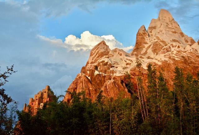 dak-ee-mountains.jpg