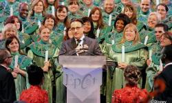 Disney World's Candlelight Processional Dining Packages on Sale Now