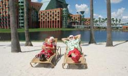 Disney's Swan and Dolphin Hotel to Offer Elf Tuck-ins and More for Holiday Season