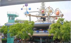 Take a ride on the Tomorrowland Transit Authority PeopleMover